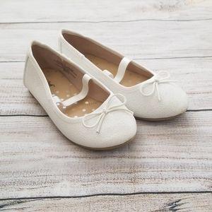 Girl's Mary Jane White Ballet Flats